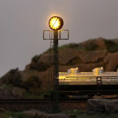 LQS61N 1pc  Model Railway lights Lit Platform Clock on Lattice mast N Scale NEW 1