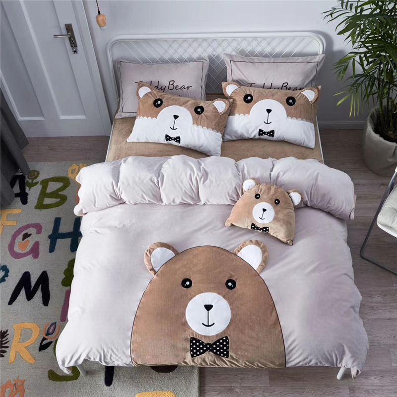 4pcs velvet Flannel Cartoon Lovely Bear Bedding set warm Fleece Stereo Applique Duvet cover set Bed Sheet Pillowcases Queen King4pcs velvet Flannel Cartoon Lovely Bear Bedding set warm Fleece Stereo Applique Duvet cover set Bed Sheet Pillowcases Queen King