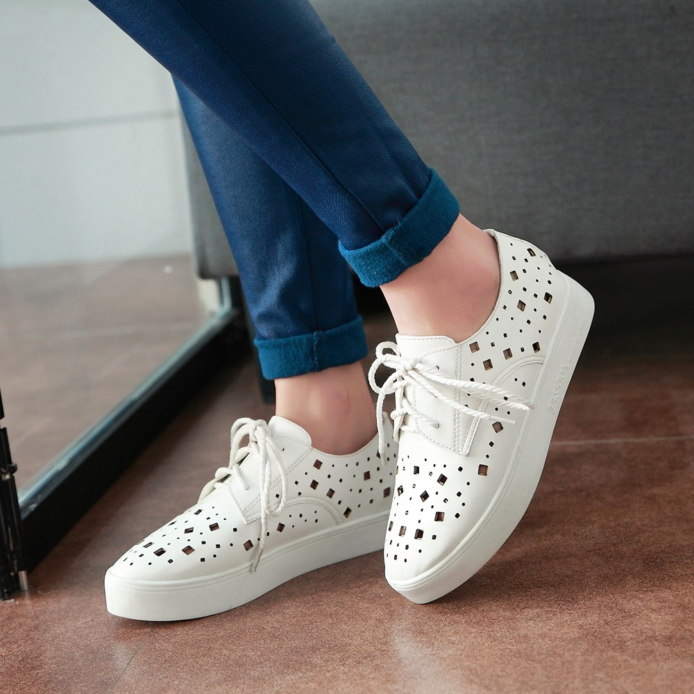 New fashion leather women flat shoes casual lace up white wedding shoes woman platform loafers girls black red shoes big size new women shoes fashion genuine leather spring autumn casual shoes lace up loafers shoes heavy bottomed platform white shoes