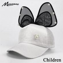 Encantadores Niños gorra de béisbol del Snapback sombreros Girls hilo  grande arco perla malla niños del acoplamiento del verano . c655b969073