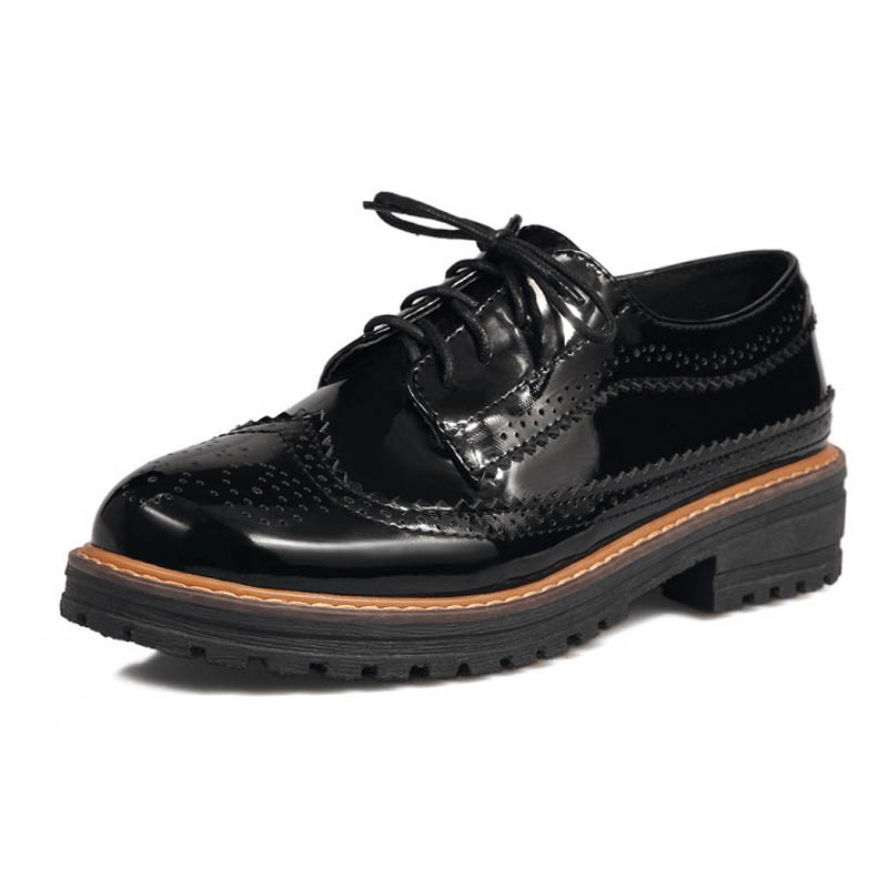 Patent Leather Brogue Shoes Woman British Style Oxfords Casual Platform Women Shoes Vintage Carved Flats Creepers Size 33-43 E81 fashion patent leather oxfords shoes woman 2016 casual platform flats low heels silver women brogue shoes 2 wearing xwd3170