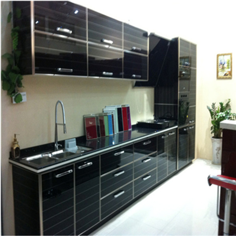 Black Painted Kitchen Cabinets: Black Kitchen Cabinet With High Gloss Lacquer Painting-in