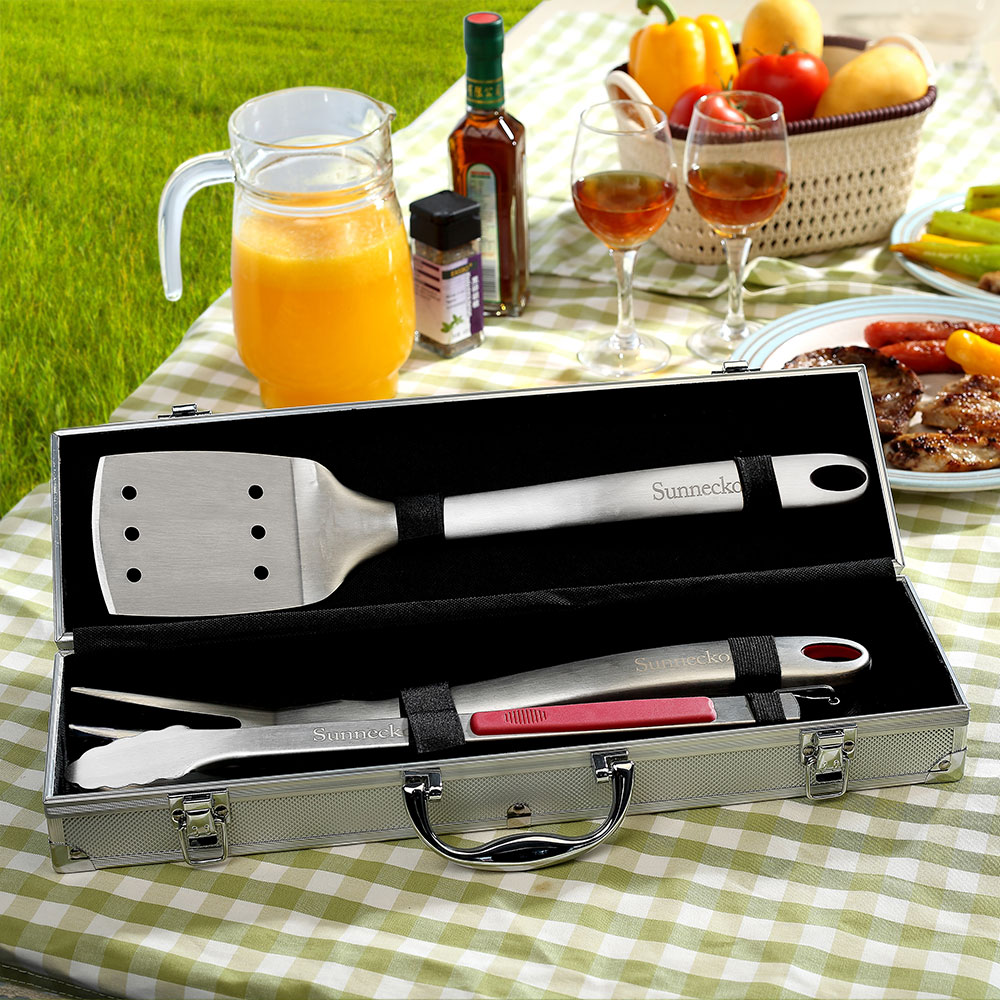Sunnecko 4pcs BBQ Grilling Tool Set TPR Handle with Aluminum Storage Case Sanding Stainless Steel Barbecue Tongs Spatula Fork