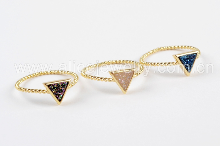 BOROSA 10PCS Gold Color Triangle Rainbow Drusy Rings, Mixed Colors Agates Titanium Rainbow Druzy Bezel Ring Women Jewelry ZG0290 4