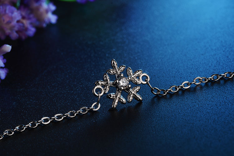 Todorova Clear Zircon Winter Snowflake Chain Link Bracelet Fit Wedding Snowflake Bracelets for Women Girl Kids Gifts in Chain Link Bracelets from Jewelry Accessories
