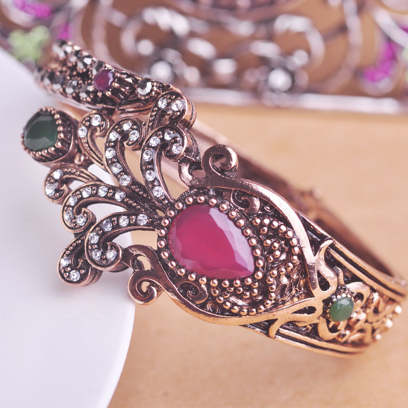 Fantastic Girl Bangles Pics Ideas - Jewelry Collection Ideas ...