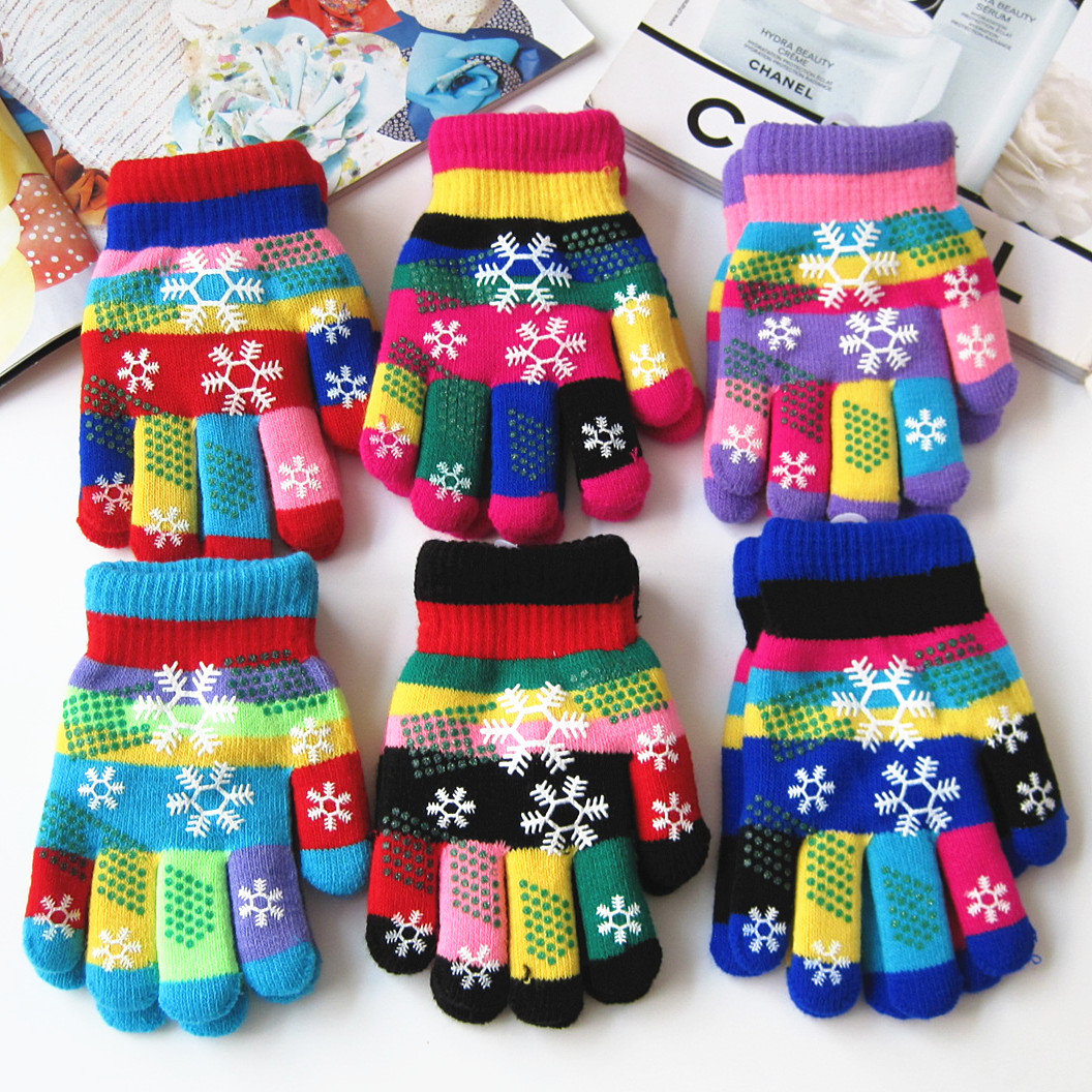 Autumn and winter kids thicken thermal yarn knitted gloves boy and girls snow print colorful gloves
