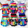 Autumn and winter kids thicken thermal yarn knitted gloves boy and girls snow print colorful gloves kids winter gloves