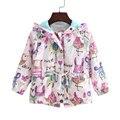 2016 Novo 2-9 T primavera & verão meninas casacos com capuz casuais outerwear para meninas de moda Pintados À Mão crianças protetor solar roupas meninas