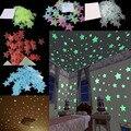 100 unids 3 cm diámetro 3D Estrellas Brillan En La Oscuridad Luminosos Fluorescentes de Plástico Pegatinas de Pared Decoración Tatuajes de 5 Color Elegir