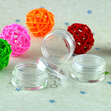 лучшая цена 500x High Quality 2.5g Gram ML Nail Glitter Refillable Bottles Empty Plastic Sample Pot Jars Cosmetic Containers P-2.5  4014-100