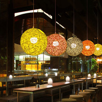 Nueva personalidad creativa colgante colorido Lámparas restaurante bar café Lámparas ratán campo pasta bola E27 luz colgante