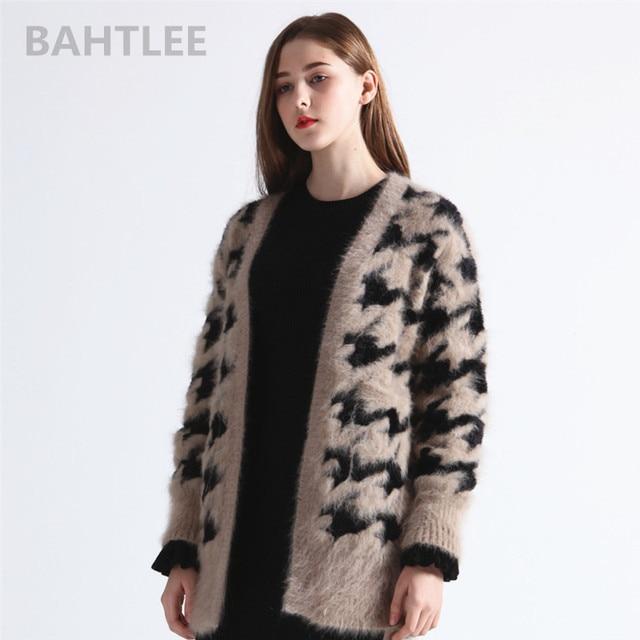 84f9c1226a5f BAHTLEE 2018 Otoño Invierno mujeres angora conejo cárdigans suéter más  suelto moda marca mantener caliente houndstooth