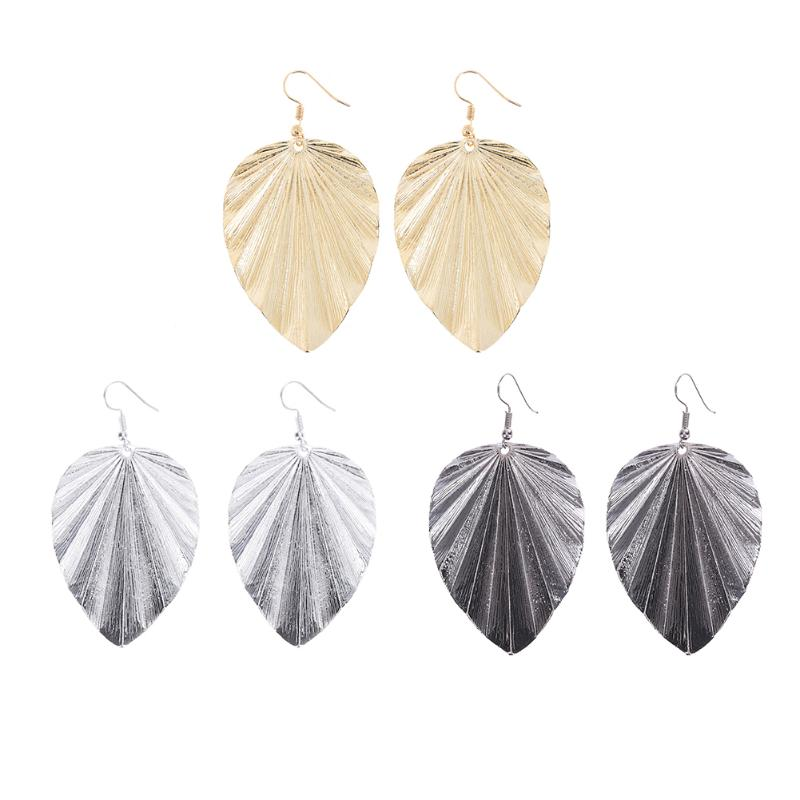 Vintage Jewelry Exquisite Charm  Leaf Earrings Modern Beautiful  European Women Alloy Dangle Earrings for Women Jewelry Gifts