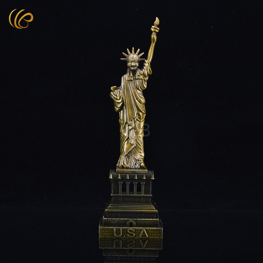 American Statue of Liberty Metal Crfafts Desk Decoration Golden Iron on Stickers for Christmas Gifts