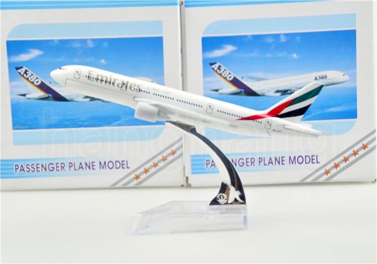 The United Arab Emirates Airline B777 16cm airplane child Birthday gift plane models kits toys Free