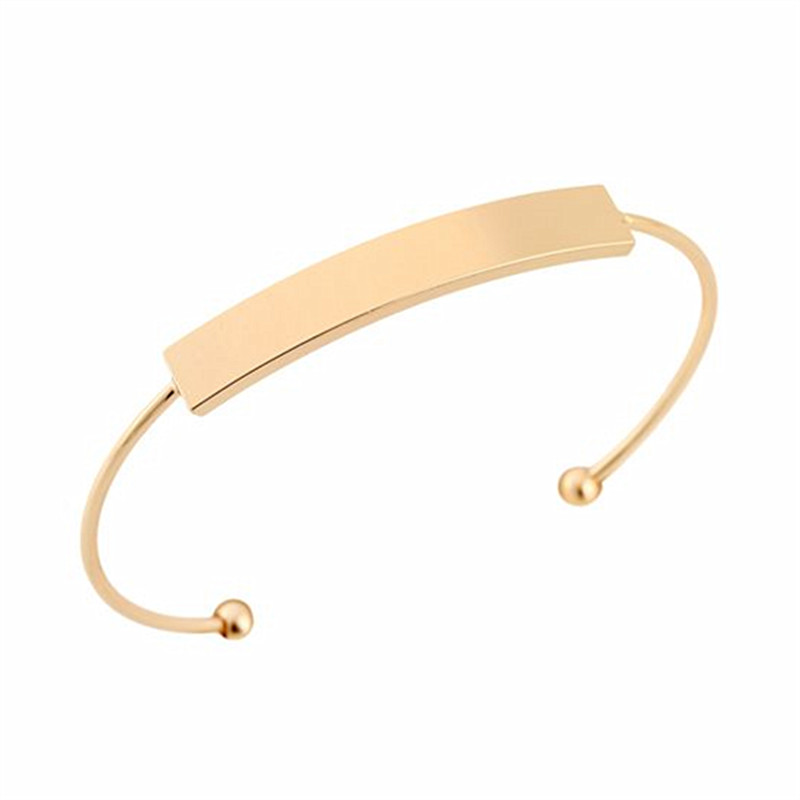 The bracelet is adjustable size Rose gold Simple smooth opening Birthday gift first