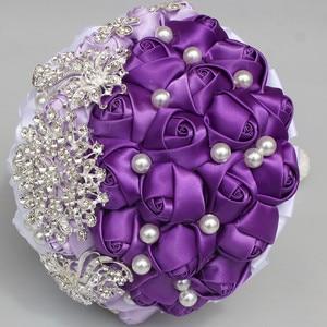 Image 5 - WifeLai EINE Lila Weiß Kristall Hochzeit Rose Blumen Diamant Brosche Hochzeit Bouquets de noiva Kristall Hochzeit Bouquets W240