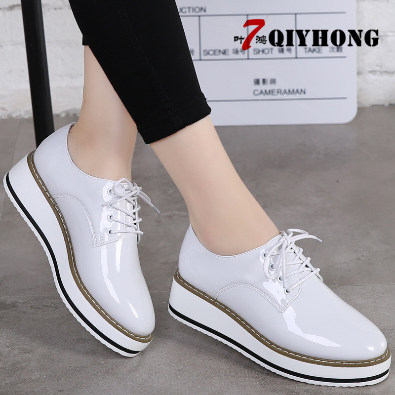 New WomenS Casual Shoes Fashion Lace Woman Loafers Slip-On Female Shoe UltraLight Mother Footwear Soft Ladies Summer Shoes