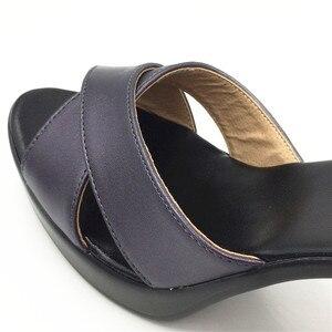 Image 5 - 女性ハイヒール夏の女性の靴デザイナーグラディエーターサンダルハイヒールセクシーなピープトウクロスバンドブロックハイヒール黒 sandalias