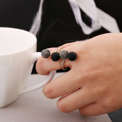 Simple Black Resin Peas Ring Metal Personality Unique Punk Rings Party Jewelry For Women Wholesale Free Shipping
