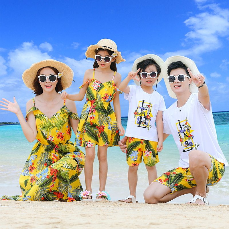 Sand Beach Family Matching Outfits Look Mother Daughter Tank Dresses Dad Son Mommy And Me Clothes Mom Daughter Son Clothing Sets