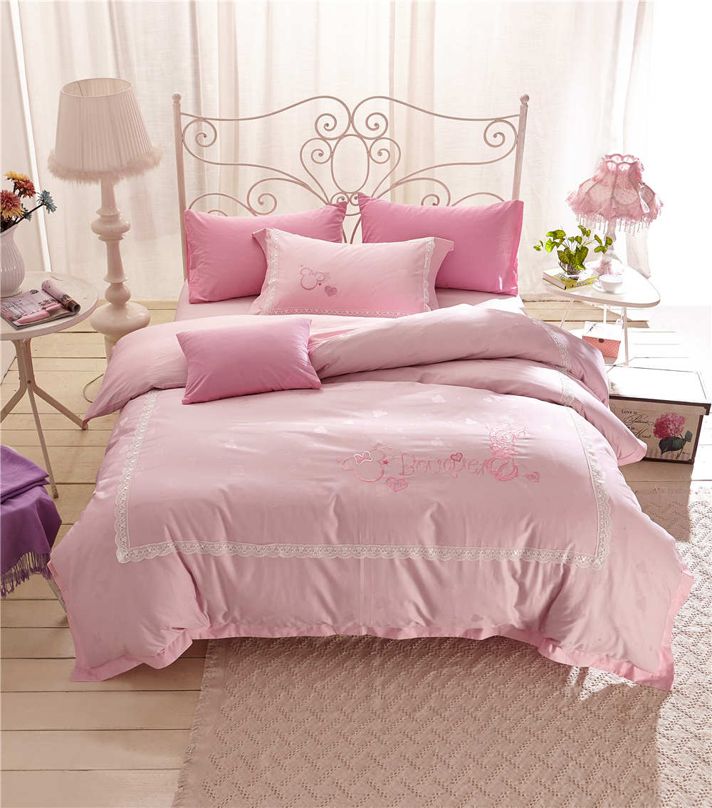 Pink Minnie Mouse Cartoon 3D Printed Bedding Sets Bedspread Coversets Duvet Cover Twin Full Queen Size Cotton Embroidered GirlsPink Minnie Mouse Cartoon 3D Printed Bedding Sets Bedspread Coversets Duvet Cover Twin Full Queen Size Cotton Embroidered Girls