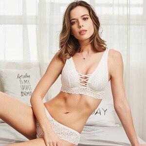 Image 1 - 2019 Phụ Nữ Sexy Ren Áo Ngực Đặt Thời Trang Thiết Kế Mới Trong Suốt Thân Mật Đồ Lót Bralette Đồ Lót Panty Set Dây Miễn Phí Áo Ngực Tập