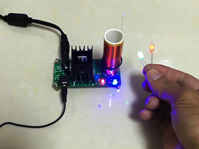 Mini DIY Tesla Coil Kit (7)