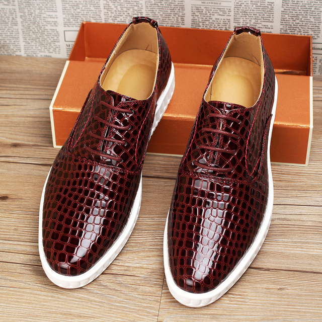 d0dbd9ed36dd Hot sale men brogues shoes alligator sneakers genuine leather breathable casual  shoes height increasing Business oxfords