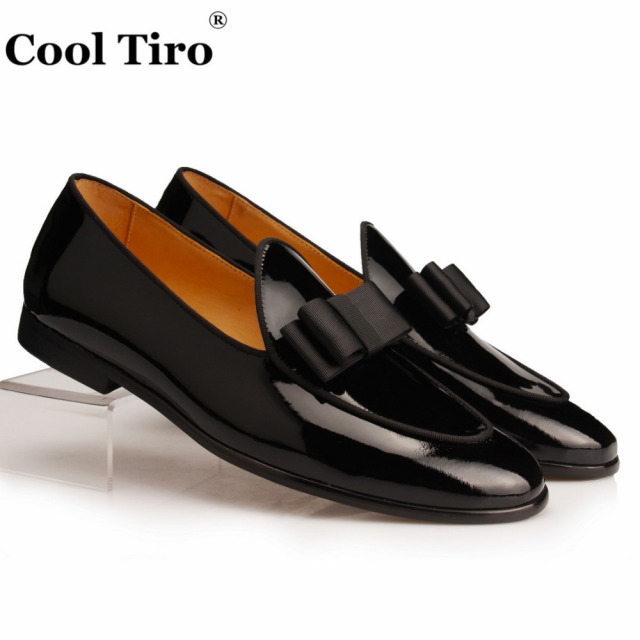 Cool Tiro Black Patent leather Loafers Men Slippers Bow Tie Moccasins Man Flats Wedding Men's Dress Shoes Casual slip on shoes
