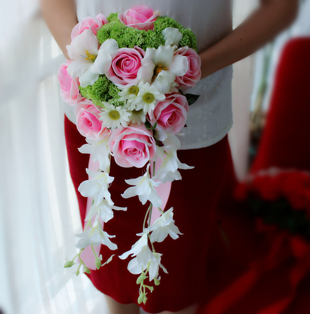 1fcad093f49 Drop Shaped Pink Waterfall Tassel Bridal Bouquets Artificial Rose Daisy  Greenish Lily Bride Holding Flowers Bridesmaids