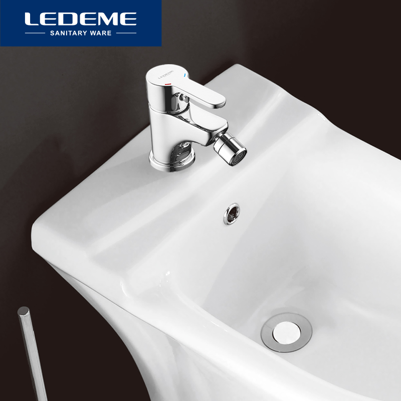 LEDEME Bidet Faucet Bathroom Single Hole Chrome Finished Deck Mounted Brass Mixer Hot And Cold Tap Bidet Faucet L5003