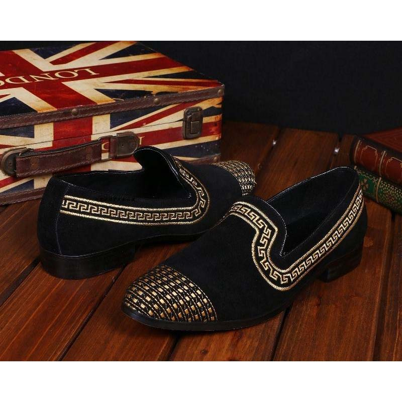 New Korean Style Gold Thread Embroidery Men Velvet Shoes Luxury Slip On Black Vintage Men Loafers Male Wedding Party Dress Shoes gold sexy gold thread embroidery hollow out lace crop top