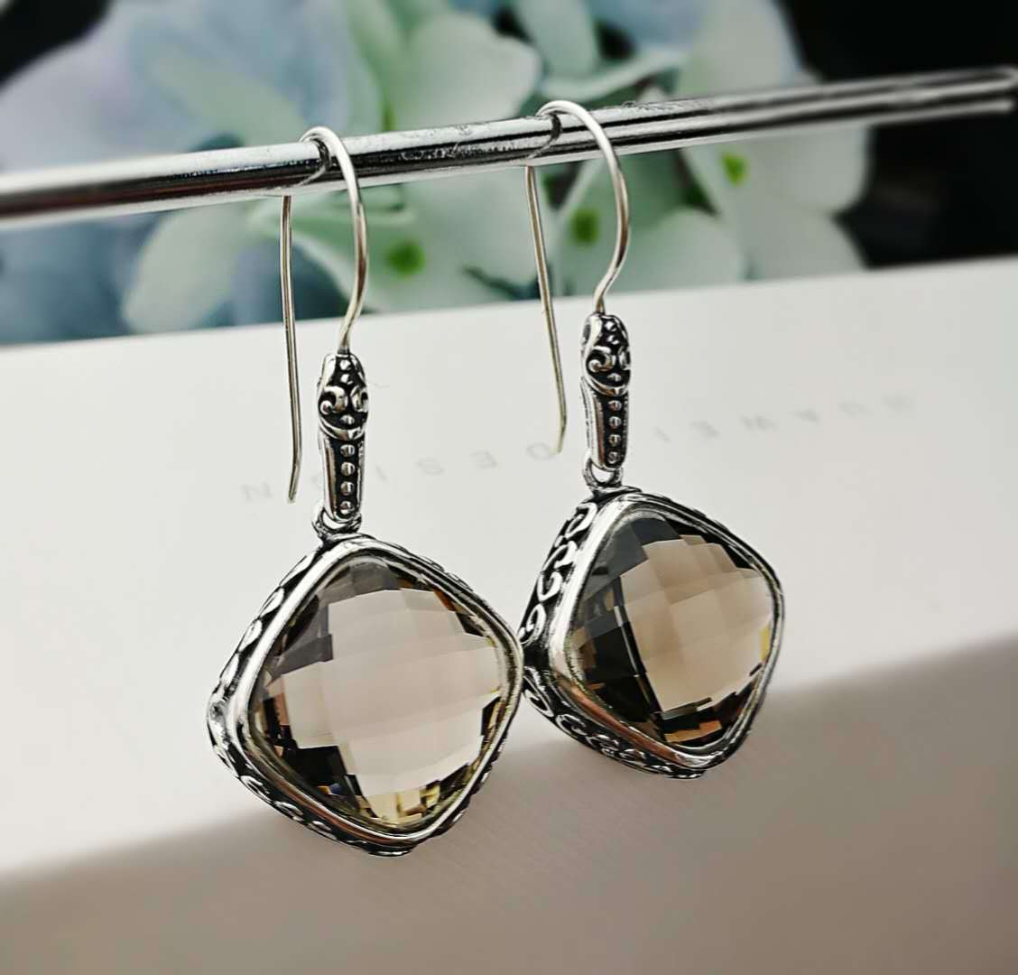 S925 silver inlaid Earrings lady's Retro cut Tea Face Earrings Fashion Style Jewelry Earrings accessories wholesale
