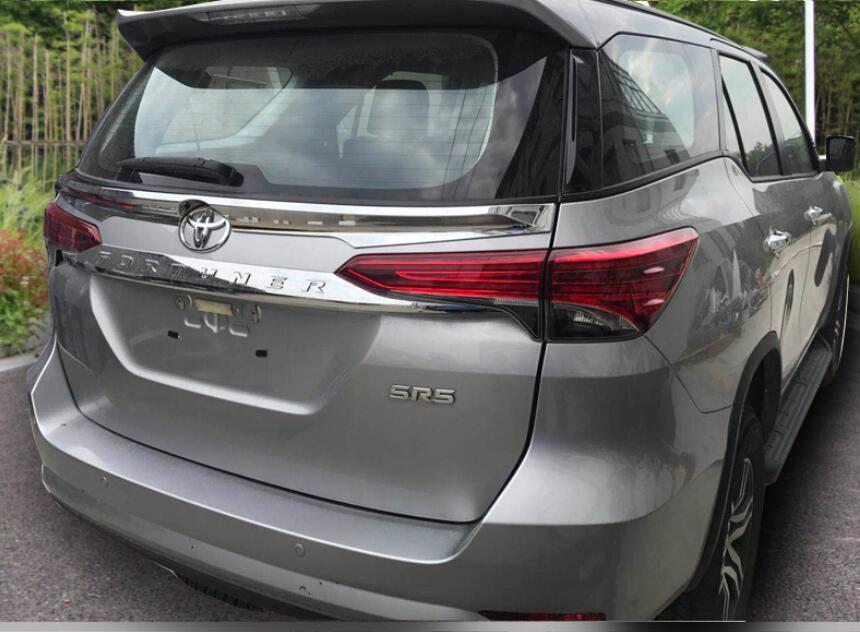 JINGHANG Pintura ABS Spoilers Lábio Tronco Asa Traseira Do Carro Se Encaixa Para A Toyota Fortuner 2016 2017 2018