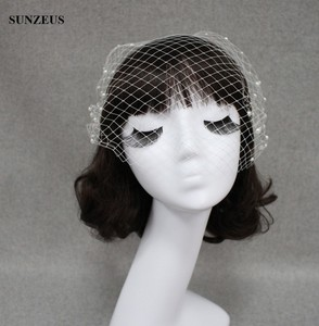 Image 4 - Big Hole Tulle Mặt Veil Pearls Bridal Hats Tay thực hiện Side Comb Wedding Phụ Kiện SQ0186