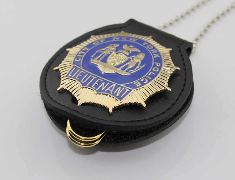 Classic BLUE BLOODS, DETECTIVE,LIEUTENANT, Replica Movie Prop Pin Badge-in Badges from Home & Garden    2