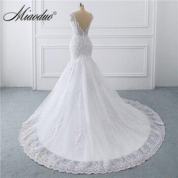 vestido de noiva sereia branco 2019 abiti da sposa Illusion Button Back Lace Applique Pearls Crystal V Neck Wedding Dresses New 4