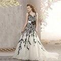 Динамические 2016 Сшитое Белый и Черный Свадебное Платье Sheer Вернуться Черный Appliques Ленты Цветок Суд Поезд Свадебные Платья