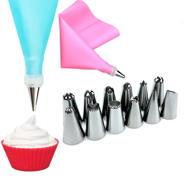 14PCS/Set Silicone Kitchen Accessories Icing Piping Cream Pastry Bag +12 Stainless Steel Nozzle Set DIY Cake Decorating Tips Set