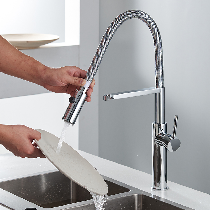 Kitchen Faucet 360 Swivel Solid Brass Kitchen Tap Single Handle Mixer Sink Tap Chrome Hot and