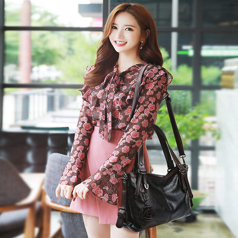 Iuxury Handbags Women Bags Designer Flower Tassel Women Tote Handbag High Quality Soft Leather Large Women Shoulder Top Handle 2