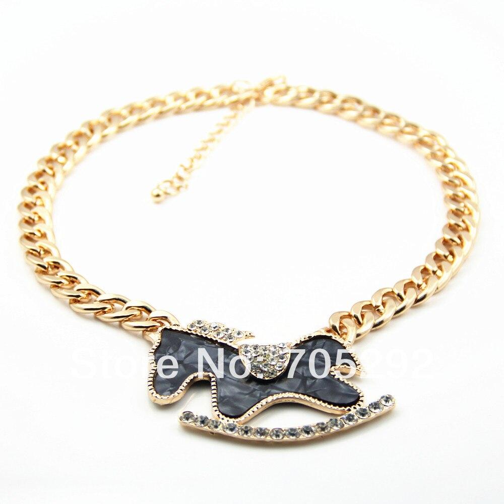 2510a9d247bc Nuevo oro de la vendimia animal caballo con negro esmalte collar y colgante  declaración de moda gargantilla