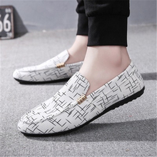Brand Fashion Men's Shoes Spring Style Canvas Men Loafers Comfortable Leather Shoes Men Flats Metal Decoration Driving Shoes