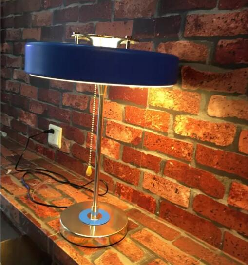 Nordic modern iron table lamp bedroom bedside light living room round French designer table lamp simple modern toughened glass small round bar table living room home leisure fashion high round table