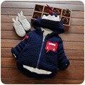 Otoño invierno diseño dinosaurio niños bebés ropa marrón/rojo niños bebé chaqueta de los muchachos de color sólido gruesos abrigos roupas infantis menino