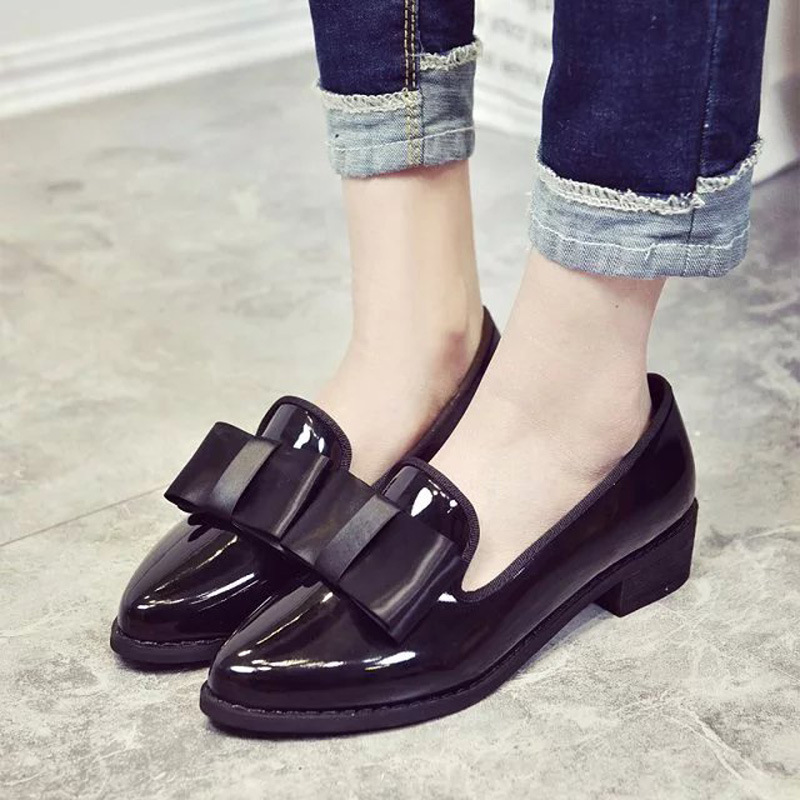 ФОТО Retro bow shallow mouth pointed shoes and 2017 new rough documentary work set foot in all-match with shoes