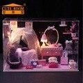 Casa de Bonecas de madeira DIY Kits de Artesanato Em Miniatura Casa De Bonecas Menina Quarto CONDUZIU a Luz/Tampa Protetora Contra Poeira & Todos Os móveis para o Natal presente