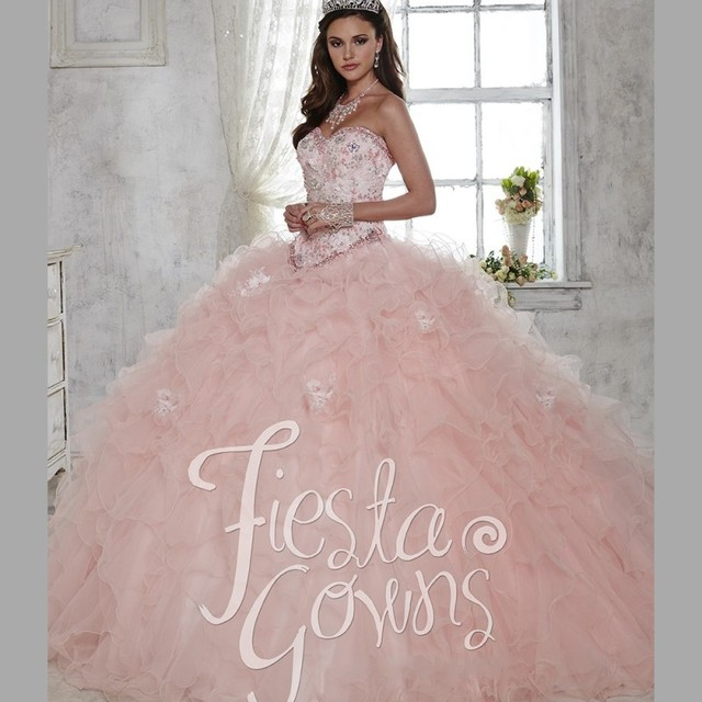 63a0e1bbba Lace Sweetheart Bodice Quinceanera Dresses Pink Ball Gown Organza Appliques  Girls 15 Party Dress Vestido de